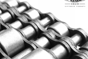 Four strand chain with two rows of carrier rollers for accumulation