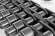 Double chain with two rows of outboard rollers